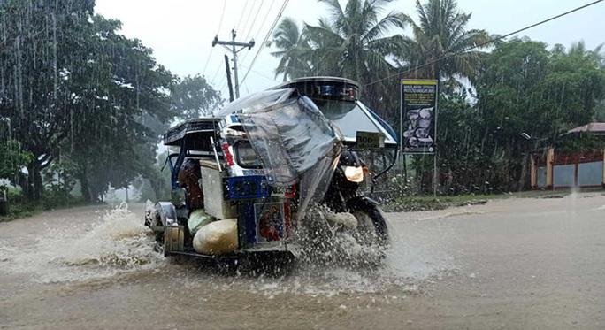 Thêm dự báo hướng đi bão số 8 - Saudel khi vào biển Đông - Ảnh 1.