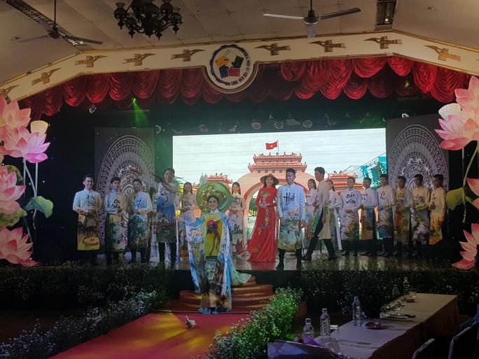 Lưu giữ nét đẹp truyền thống của dân tộc - Ảnh 2.