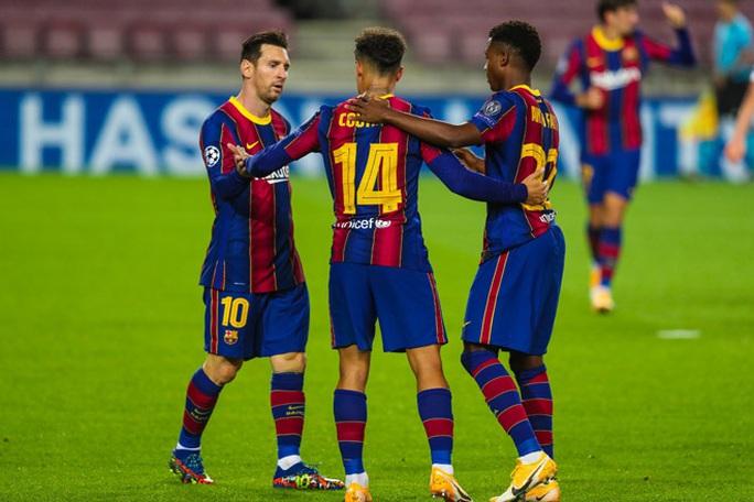 Sao 17 tuổi khai hỏa Champions League, Barcelona đè bẹp Ferencvaros - Ảnh 4.