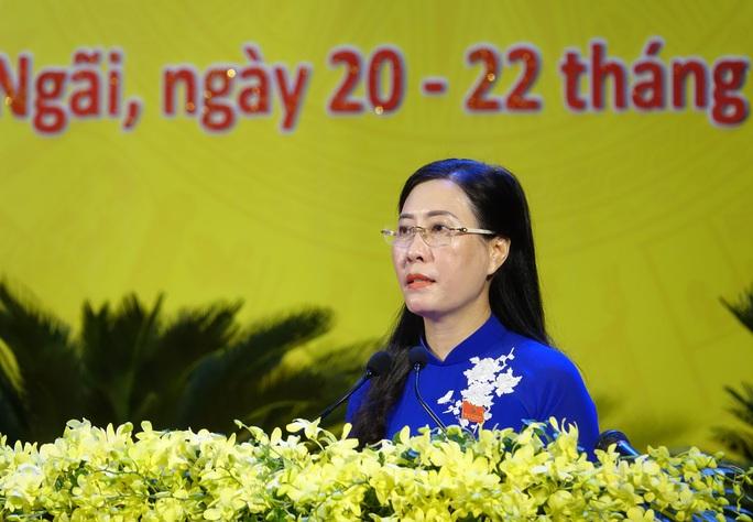 Bà Tòng Thị Phóng dự khai mạc Đại hội đại biểu Đảng bộ tỉnh Quảng Ngãi  - Ảnh 3.