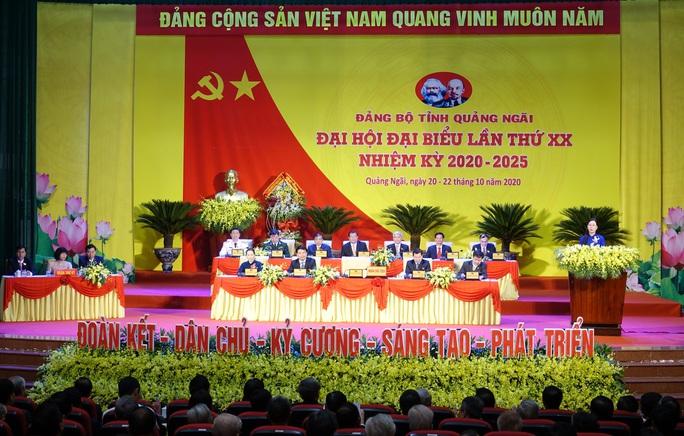 Bà Tòng Thị Phóng dự khai mạc Đại hội đại biểu Đảng bộ tỉnh Quảng Ngãi  - Ảnh 1.