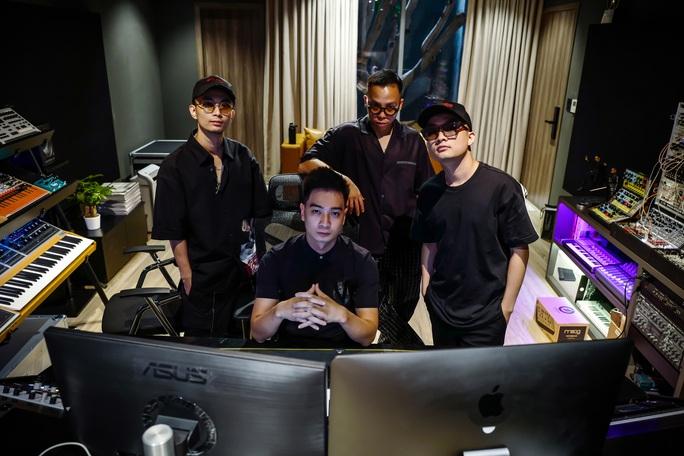 Bộ tứ làm nên cơn sốt Rap Việt - Ảnh 2.