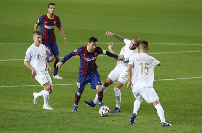 Sao 17 tuổi khai hỏa Champions League, Barcelona đè bẹp Ferencvaros - Ảnh 1.