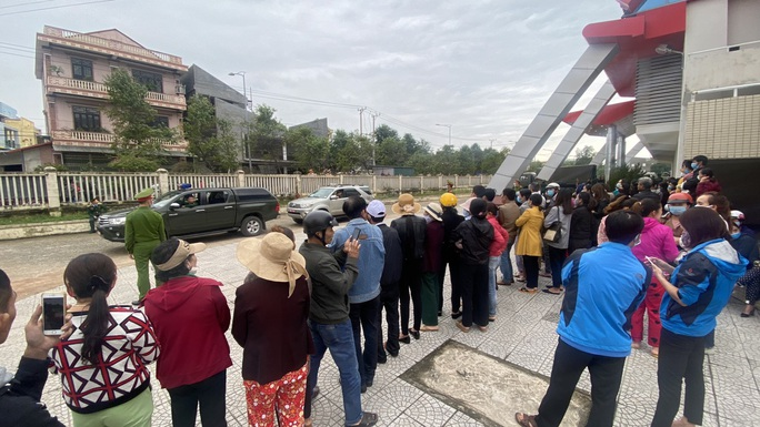 Hình ảnh xúc động lễ truy điệu 22 cán bộ, chiến sĩ hy sinh ở Quảng Trị - Ảnh 16.