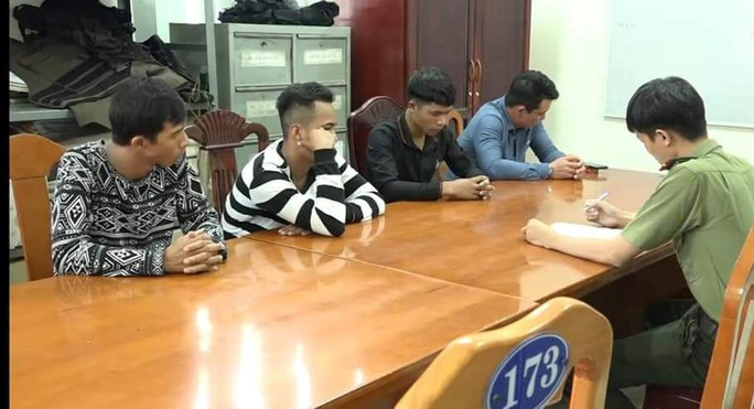 Bắt nhóm thanh niên trộm tài sản, đòi bảo kê thi công cao tốc - Ảnh 1.