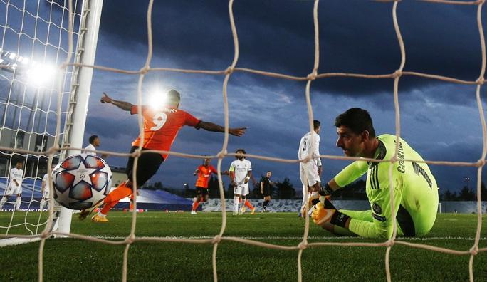 Sân nhà thành đất dữ, Real Madrid trắng tay trước Shakhtar Donetsk - Ảnh 7.