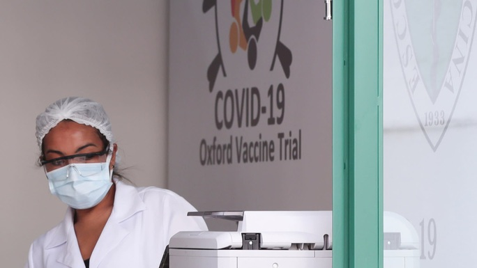 Tình nguyện viên Brazil tử vong, thử nghiệm vaccine ngừa Covid-19 tiếp tục - Ảnh 2.