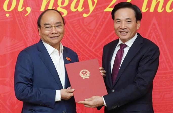 Thủ tướng trao quyết định bổ nhiệm cho nguyên Bí thư Tỉnh ủy Điện Biên - Ảnh 1.