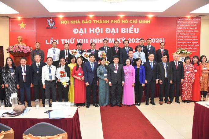 Ông Trần Trọng Dũng tái đắc cử Chủ tịch Hội Nhà báo TP HCM - Ảnh 4.
