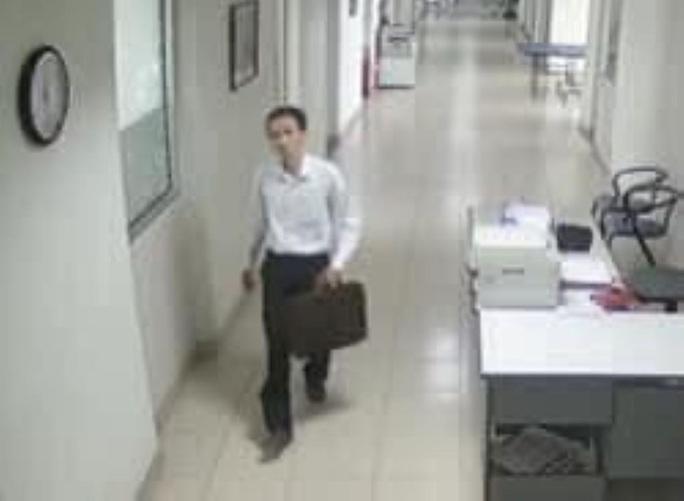 Đà Nẵng: Nhiều trường đại học bị kẻ gian đột nhập trộm laptop của giảng viên - Ảnh 1.