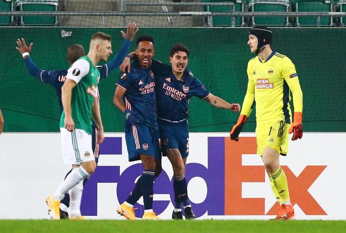 Arsenal suýt lãnh thảm họa thủ môn, ngược dòng hạ Rapid Vienna - Ảnh 7.