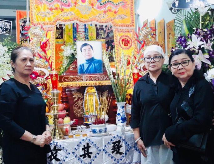 Hàng trăm người tiếc thương tiễn biệt NSƯT Nam Hùng - Ảnh 11.