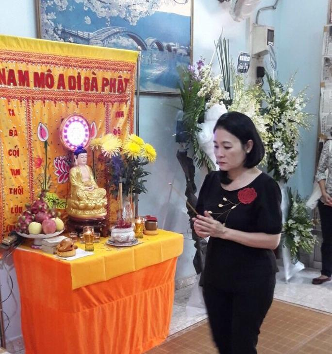 Hàng trăm người tiếc thương tiễn biệt NSƯT Nam Hùng - Ảnh 14.
