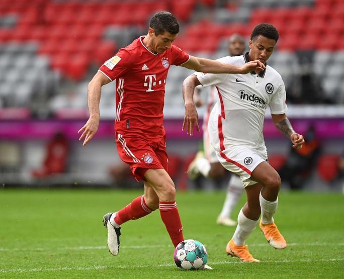 Lewandowski lập hat-trick, Bayern Munich dễ dàng đè bẹp đối thủ 5 bàn trắng - Ảnh 2.