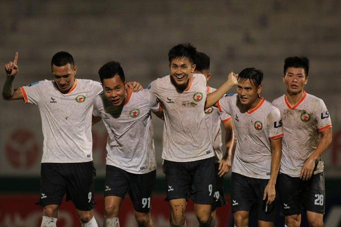 Giải Hạng nhất quốc gia 2020: CLB Bình Định bứt tốc ấn tượng - Ảnh 1.