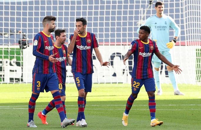 Real Madrid gieo rắc thảm họa siêu kinh điển cho Barcelona - Ảnh 3.