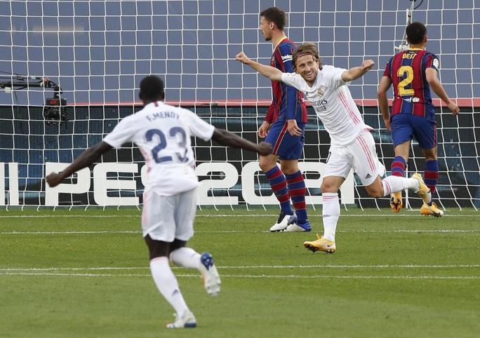 Real Madrid gieo rắc thảm họa siêu kinh điển cho Barcelona - Ảnh 7.