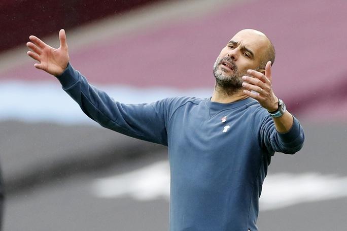 Man City thoát hiểm trước West Ham, tiếp tục văng Top 10 - Ảnh 7.