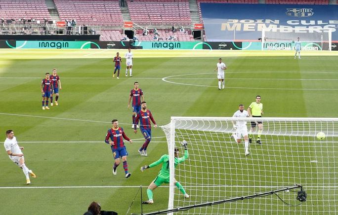 Real Madrid gieo rắc thảm họa siêu kinh điển cho Barcelona - Ảnh 2.