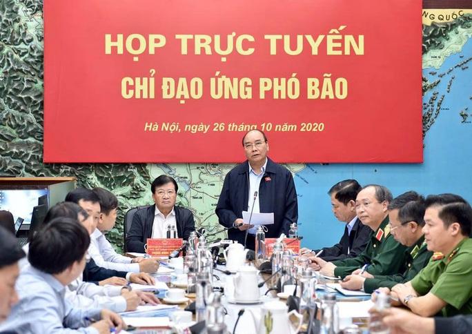Thủ tướng chủ trì họp ứng phó bão số 9 giật cấp 15, gây mưa đặc biệt to hướng vào Đà Nẵng - Phú Yên - Ảnh 1.