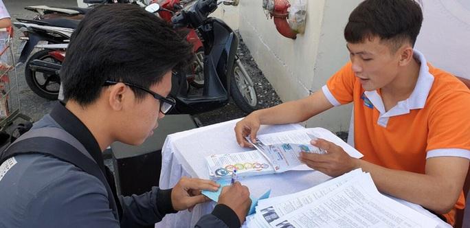 TP HCM: Tập trung hỗ trợ lao động thất nghiệp - Ảnh 1.