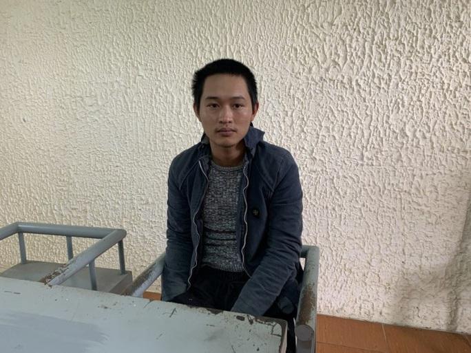 Quảng Bình: Bắt kẻ ngáo đá, chém đại úy công an nhập viện - Ảnh 1.