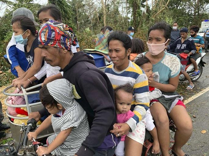 Bão Molave càn quét Philippines, hướng đến Việt Nam - Ảnh 2.