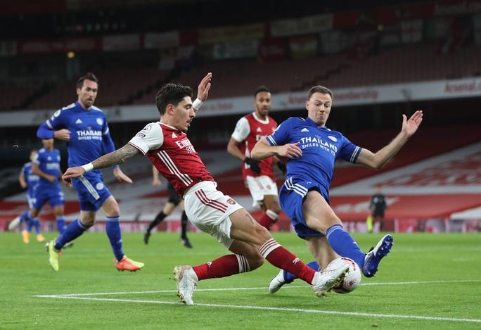 Siêu dự bị Vardy lập công cho Leicester, Arsenal thua đau ở Emirates - Ảnh 1.