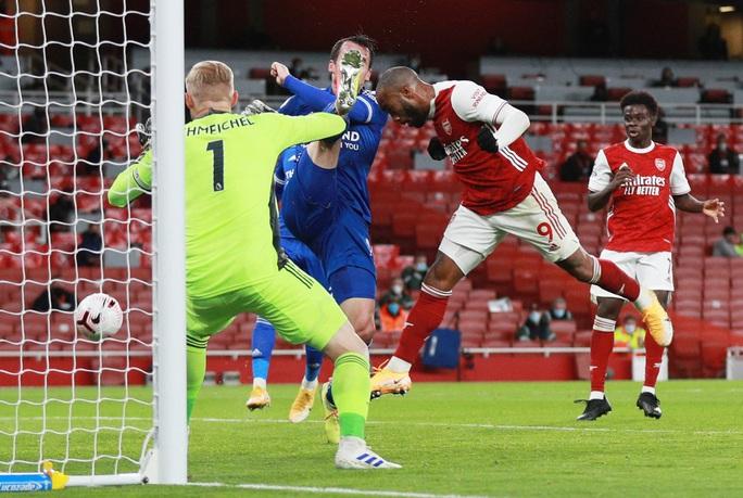 Siêu dự bị Vardy lập công cho Leicester, Arsenal thua đau ở Emirates - Ảnh 3.