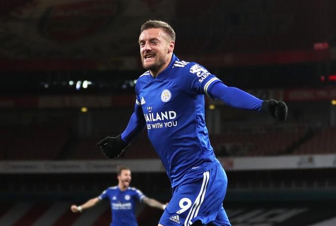 Siêu dự bị Vardy lập công cho Leicester, Arsenal thua đau ở Emirates - Ảnh 6.
