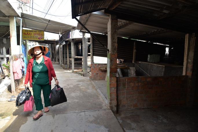 Quảng Ngãi: Đang di dời hàng chục ngàn người dân tránh bão số 9 - Ảnh 6.
