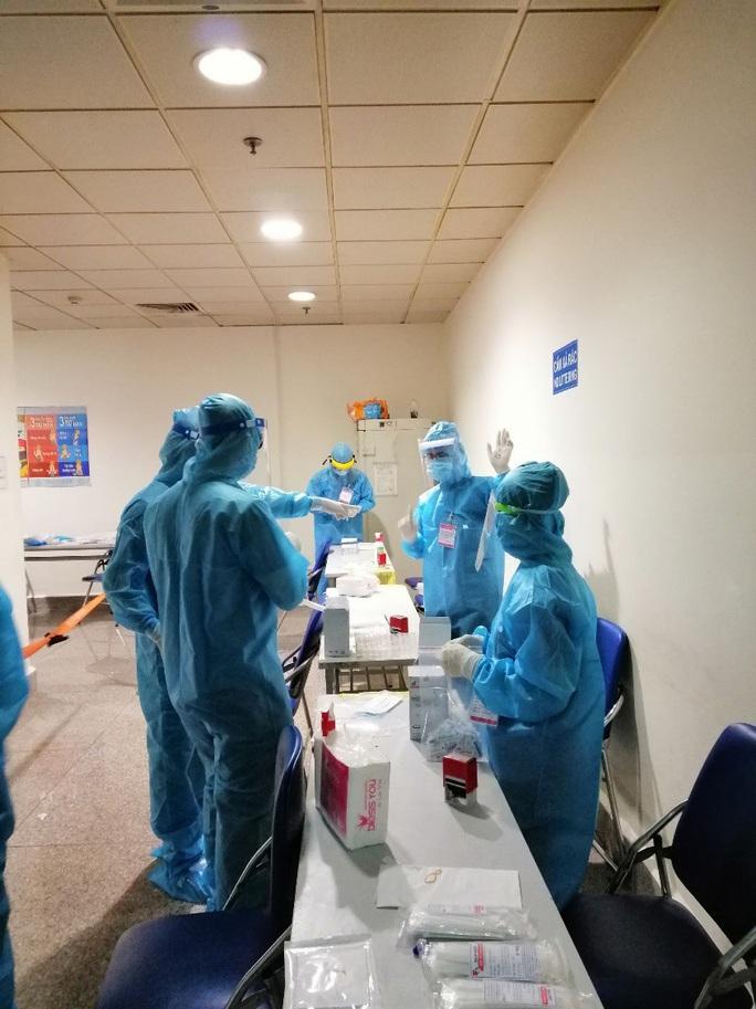 TP HCM: Cách ly 6 người ở quận 2 tiếp xúc ca nhiễm Covid-19 người Hàn Quốc - Ảnh 1.