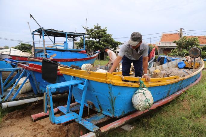 Phú Yên: Di dời khẩn cấp hơn 40.000 người tránh bão số 9 - Ảnh 4.