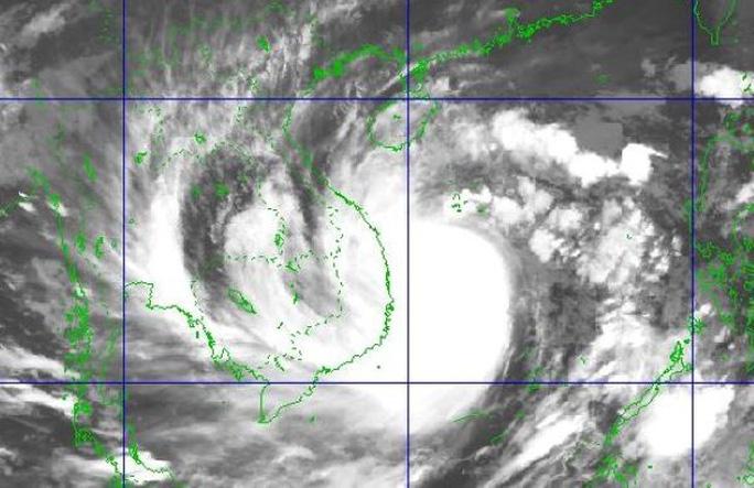 Bão số 9 giật cấp 17 áp sát Đà Nẵng-Phú Yên, đảo Lý Sơn gió giật 26 m/giây - Ảnh 1.