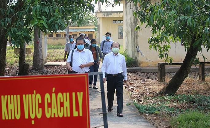 Khẩn cấp truy tìm 3 người Trung Quốc trốn khỏi khu cách ly Covid-19 - Ảnh 1.
