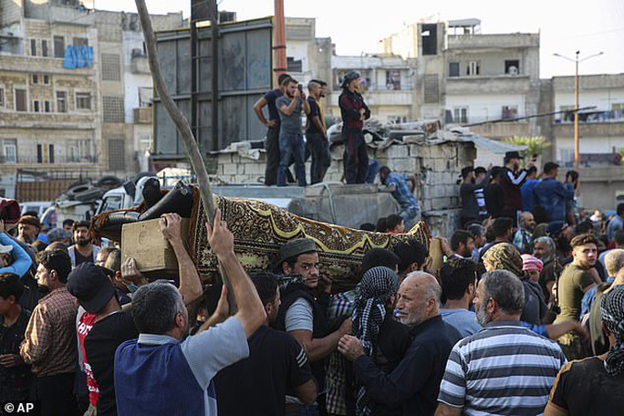 Mỹ không kích giết chết 7 thủ lĩnh al-Qaeda ở Syria  - Ảnh 2.