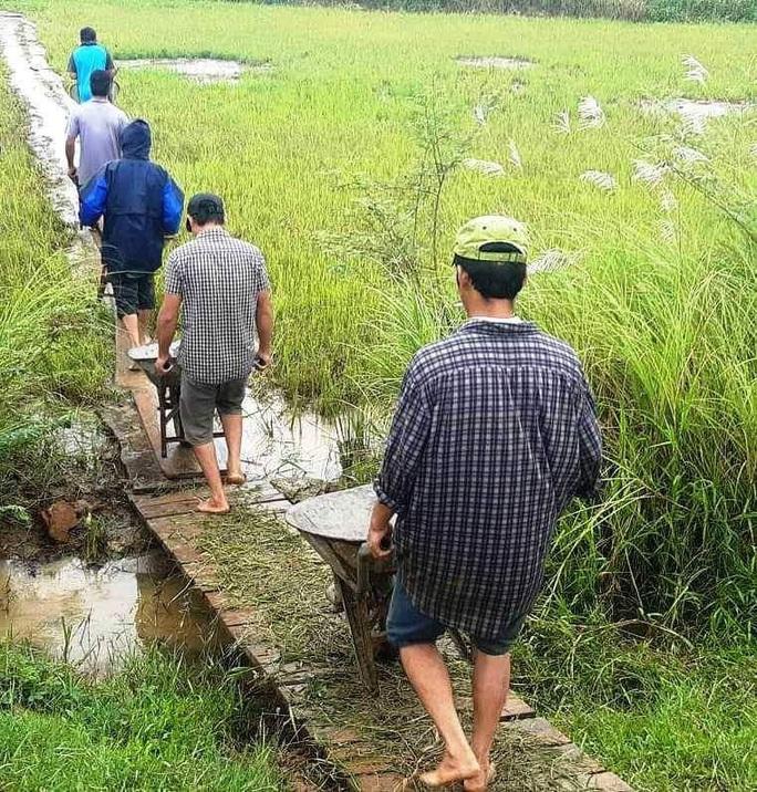 Bình Định khẩn trương di dời các hộ dân trước 17 giờ hôm nay tránh bão số 9 - Ảnh 5.