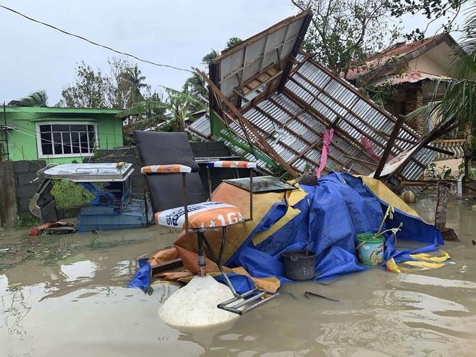 Bão Molave gây thiệt hại diện rộng tại Philippines - Ảnh 2.