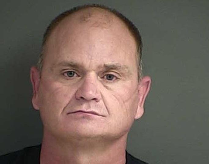 Mỹ: Cảnh sát đặt máy quay lén trong phòng ngủ của thiếu nữ 14 tuổi - Ảnh 1.