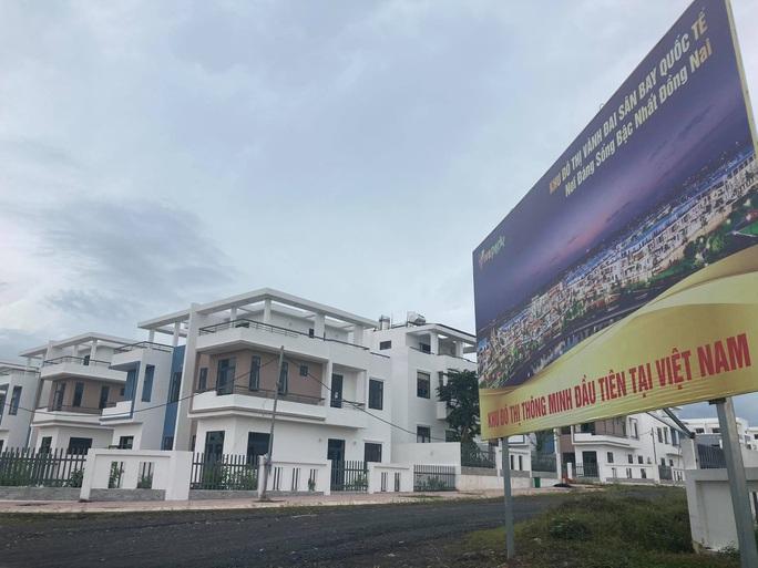 Ngỡ ngàng với gần 500 biệt thự, nhà liền kề xây lụi ở Đồng Nai - Ảnh 2.