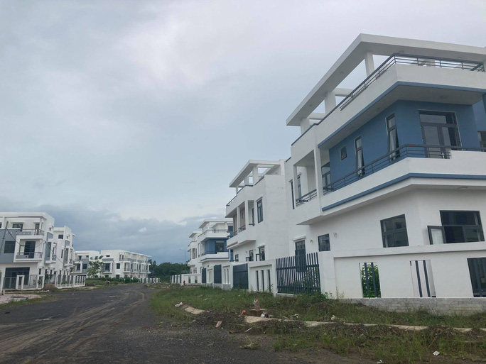 Ngỡ ngàng với gần 500 biệt thự, nhà liền kề xây lụi ở Đồng Nai - Ảnh 4.