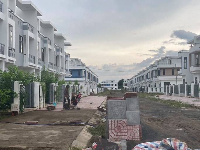Ngỡ ngàng với gần 500 biệt thự, nhà liền kề xây lụi ở Đồng Nai - Ảnh 14.