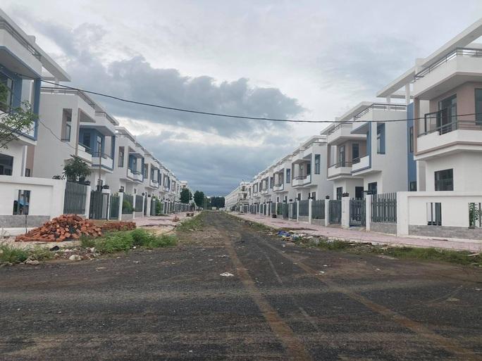 Ngỡ ngàng với gần 500 biệt thự, nhà liền kề xây lụi ở Đồng Nai - Ảnh 9.