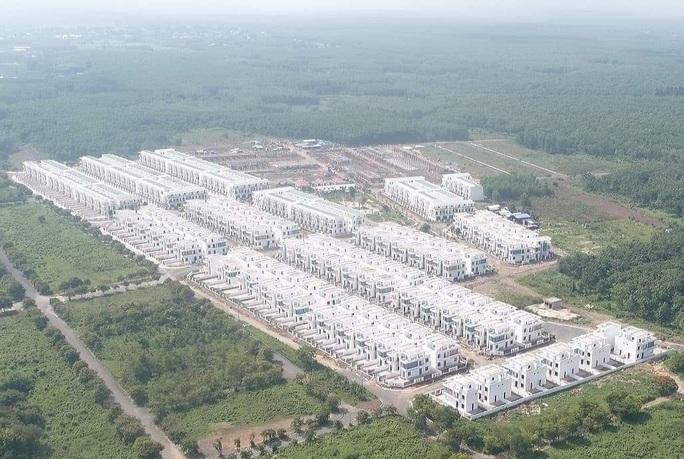 Ngỡ ngàng với gần 500 biệt thự, nhà liền kề xây lụi ở Đồng Nai - Ảnh 1.