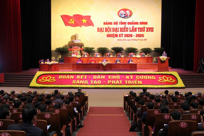 Danh sách 49 người trúng cử Ban chấp hành Đảng bộ tỉnh Quảng Bình - Ảnh 1.