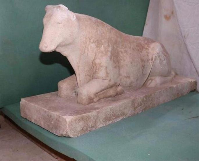 Mộ cổ 2.500 tuổi dưới giếng: cả một gia đình nằm giữa kho báu - Ảnh 2.