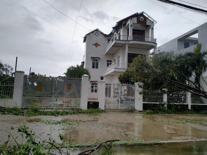 VIDEO: Quảng Ngãi tan hoang khi bão số 9 đi qua - Ảnh 14.