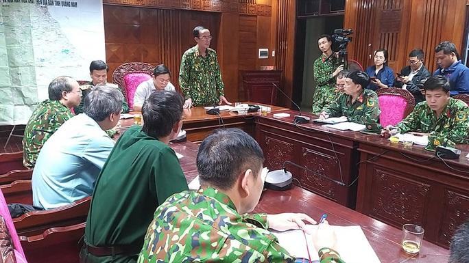 Sạt lở kinh hoàng ở Quảng Nam, ít nhất 7 người tử vong, Thủ tướng yêu cầu cứu nạn khẩn - Ảnh 3.