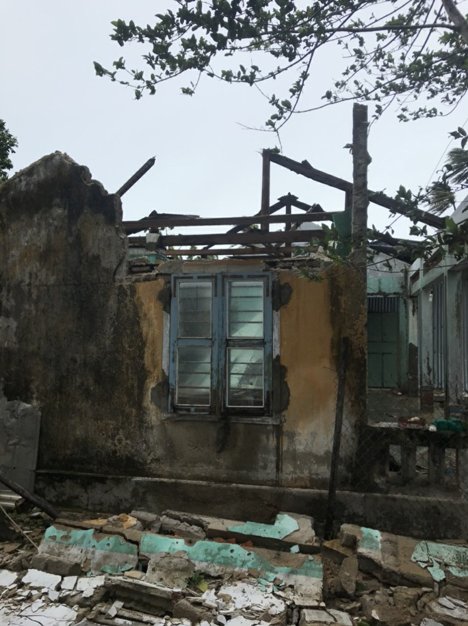 Phú Yên: thống kê thiệt hại bước đầu do bão số 9 - Ảnh 3.
