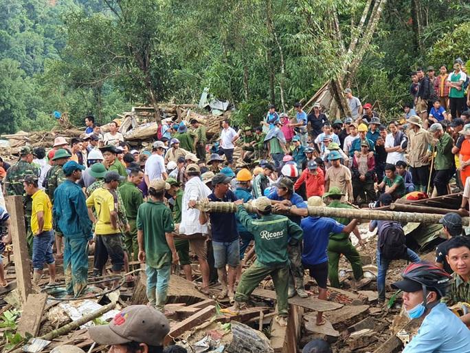 Hiện trường vụ sạt lở kinh hoàng tại Trà Leng - Quảng Nam - Ảnh 10.
